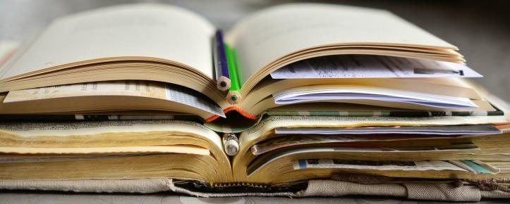 books-2158737_1280