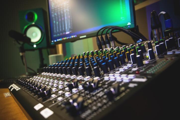 studio-4004849_1280
